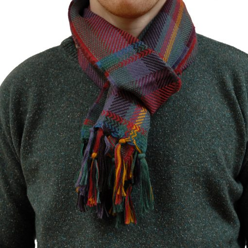 kerry scarf woven in soft cashwool in classic green plaid. Hand knotted tassels