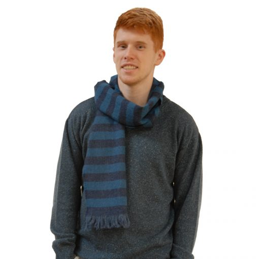 model mens small wool scarf1