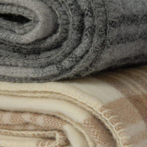 Blanket Merino wool plaid stack